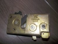 Rear door lock mechanism